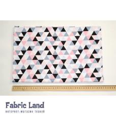 80*100см Серо-черно-розовые треугольники